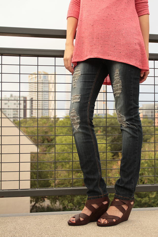 Maternity Style: Distressed Denim