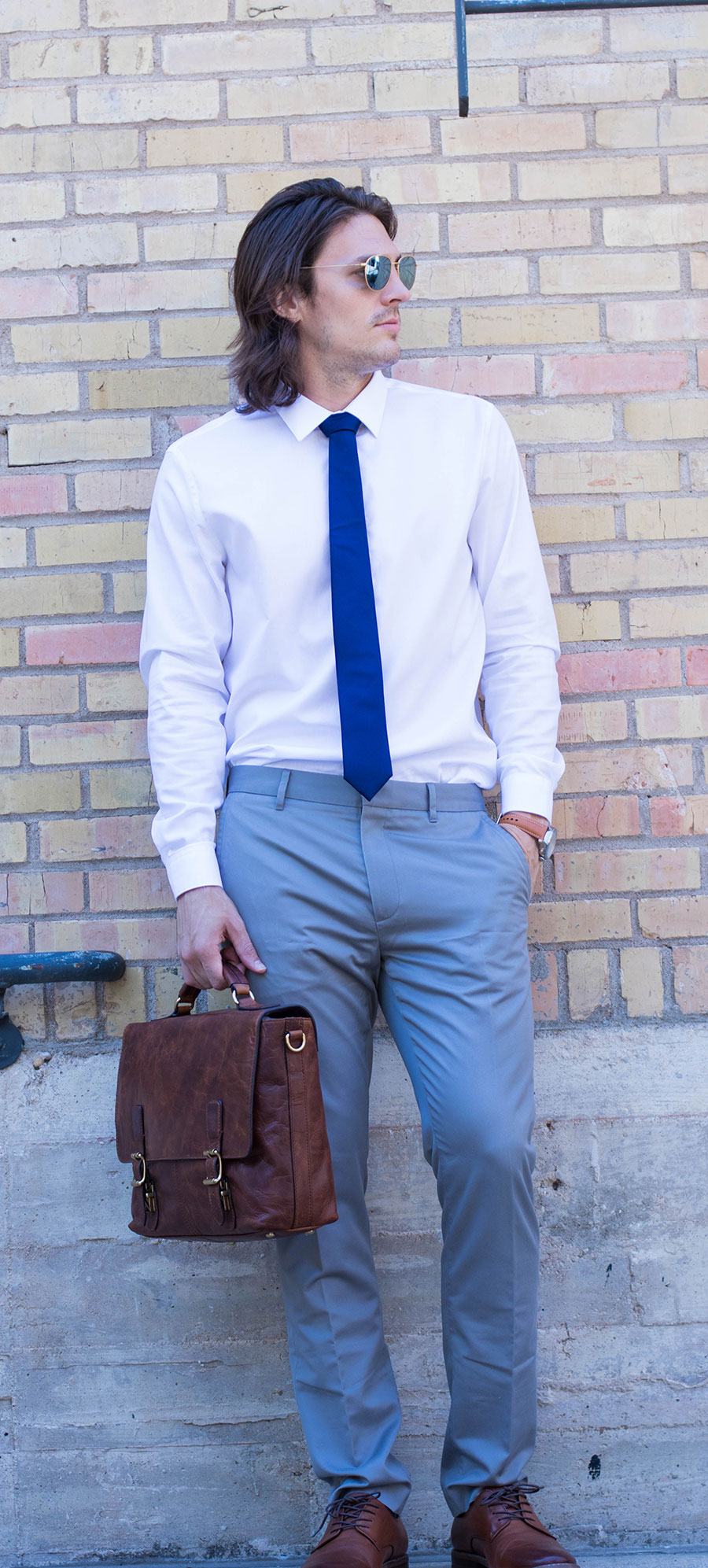 How To Choose The Perfect Men's Leather Briefcase
