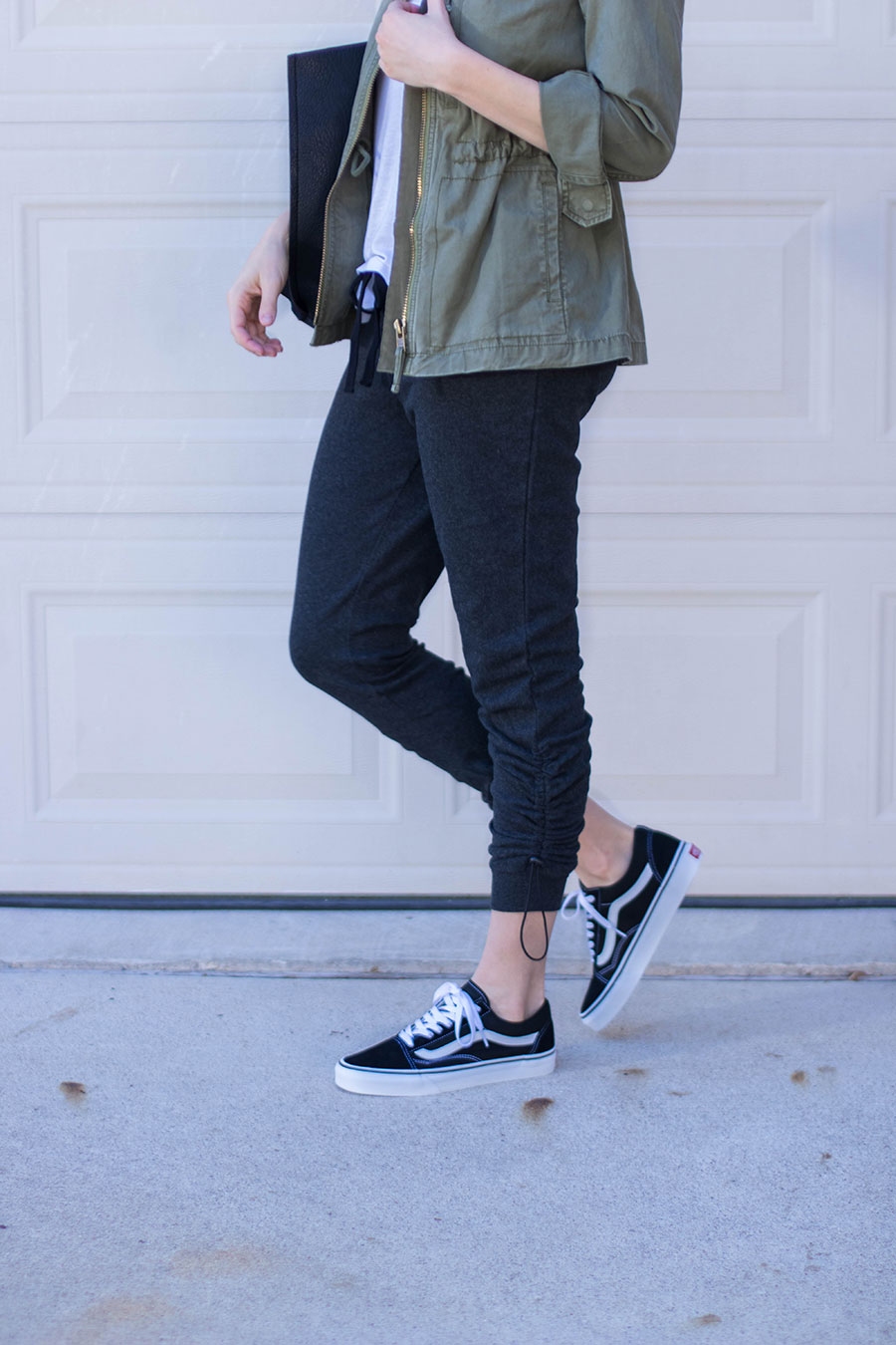 how to dress up joggers